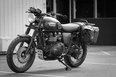 Look at many of my most desired builds - unique scrambler hybrids like #scramblermotorcyclebags Motorcycle Luggage, Motorcycle Camping, Scrambler Motorcycle, Motorcycle Style, Camping Gear, Triumph Scrambler, Motorcycle Garage, Triumph Motorcycles, Triumph Bonneville