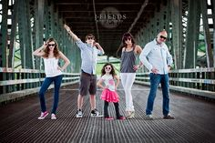 Family of 5 Photography Poses | Recent Photos The Commons Getty Collection Galleries World Map App ...