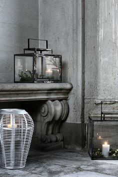 Broste Copenhagen Styling: Marie Graunbøl Photo: Line Thit Klein Rustic Chic, Casual Decor, Decoration And Furniture, Interior Decorating, Unusual Home, Candle Lanterns, Natural Interior, Candlelight Glow, Lantern Chandelier