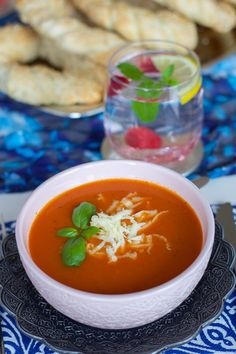 Bagels, Thai Red Curry, Panna Cotta, Lunch, Cooking, Ethnic Recipes, Food, Dulce De Leche, Meal