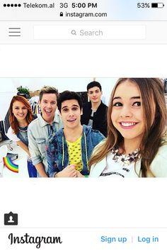 Magie and bianca Friends Cast, Serie Tv, Instagram Sign, Son Luna, Friends Fashion, Pixel Art, Persona, Bff, Netflix