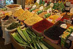 Bazaar in Kirmaşan City. Photo by Shaghayegh.