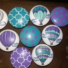 Natalie Stutz added a photo of their purchase Rock Crafts, Diy And Crafts, Painted Rocks Craft, Painted Stones, Balloon Painting, Rock Painting Patterns, Stone Painting, Painting Art, Rock Design