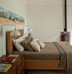 decoração, decoração de casa, casa no campo, casa, madeira, transparência, quarto, quarto de casal, cômoda, cômoda de madeira.