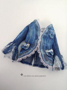 jiajiadoll-Girl's Jean Jacket fits momoko or obitsu. Love this jacket!