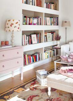 Platzsparende Hausbibliothek-Einbau-Bücherregale-Dekor im Wohnzimmer ...
