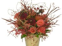 Autumn flowers hand tied bouquet with roses, protea, dahlias and rose hips.  Easy DIY video