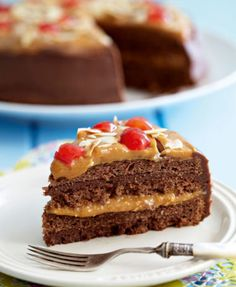 Our 5 Best Chocolate Cake Recipes-Ons 5 beste sjokoladekoekresepte Our 5 Best Chocolate Cake Recipes - Amazing Chocolate Cake Recipe, Decadent Chocolate Cake, Best Chocolate Cake, Chocolate Recipes, Chocolate Chocolate, Delicious Chocolate, Crazy Cake Recipes, Sweets Recipes, Chocolate Chip Pancakes