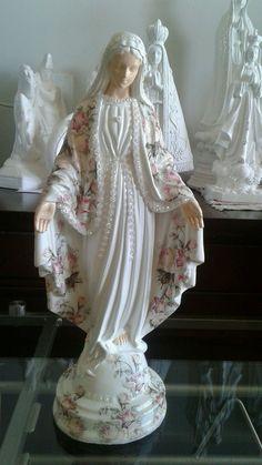 Mother Of Christ, Blessed Mother, Prayer Corner, Virgin Mary Statue, Verge, Catholic Crafts, Jesus Christ Images, Elephant Sculpture, Home Altar