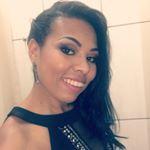 "554 Likes, 12 Comments - 🌷Ateliê Madáh Santana🌷 (@madahsantana) on Instagram: ""Nails #branquinho #francesinha #filha #única #arabescos #mimo #madahsantana #manicure #nailart…"""