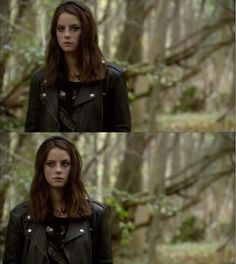 Fallon walks through the forest. She'd forgotten her shotgun today, and whil… - Modern Elizabeth Stonem, Effy Stonem, Skins Uk, Danielle Campbell, Kaya Scodelario, Stylish Girl Pic, Lily Collins, My Heart Is Breaking, Face Claims