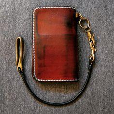 My worn Voyej leather wallet. 2 years + 4 months. Conditioned x 6. New custom black leather wallet rein from Hallows Leather. #voyej #leather #hallowsleather #selvedge #selvedgedenim #denim ★★★★★★★★★★★★★★★