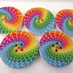 ButtonArtMuseum.com - 5 x Wooden Buttons Colourful Swirl 30mm by Treasures in Measures