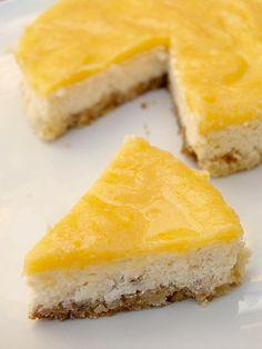 Cheesecake al Limone LEGGI LA RICETTA > http://www.dolciricette.org/2013/06/cheesecake-al-limone-ricetta.html