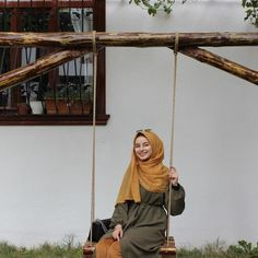 """7,795 Beğenme, 25 Yorum - Instagram'da Falankes (@falankesofficial): """"Takt... , #afalankesofficial #Beğenme #falankes #falankesofficial #Instagram #Instagram39da #Takt #yorum Casual Hijab Outfit, Hijab Chic, Moda Emo, My Hairstyle, Abaya Fashion, Illustration Girl, Muslim Women, Picture Poses, Niqab"""