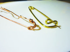 Make different types of fibula brooches. Free tutorial