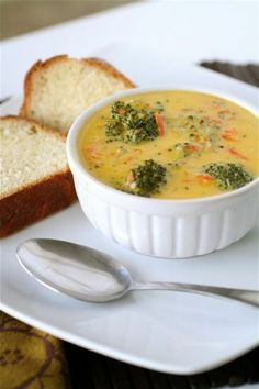 brocoli cheddar soup is the best when it is cold outside. Vegetarian Soup, Vegetarian Recipes, Healthy Recipes, Healthy Food, Yummy Recipes, Soup Recipes, Cooking Recipes, Salad Recipes, Broccoli Cheddar
