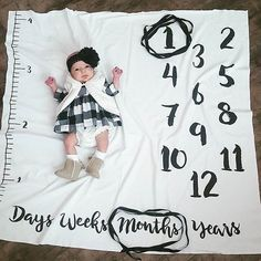SALE Age Growth hand drawn Baby Monthly milestones door DotBoxed