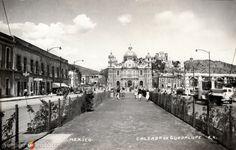 Calzada de Guadalupe, con la Basílica al fondo