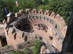 Siklósi vár - Google keresés Faux Stone, Old Buildings, Hungary, Mount Rushmore, Europe, Forts, Mountains, Mansions, History