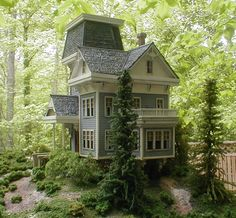 An outdoor dollhouse Victorian Cottage, Victorian Dolls, Fairy Houses, Play Houses, Doll Houses, Doll House Crafts, Tiny World, Miniature Houses, Little Houses
