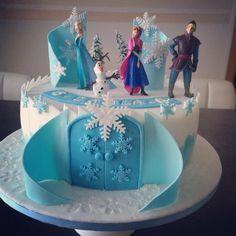 Eiskönigin Frozen Elsa Birthday Cake, Frozen Themed Birthday Party, Disney Frozen Party, Frozen Theme Cake, Elsa Cakes, Themed Cakes, Party Cakes, Grands Parents, Rock Candy