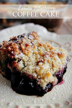Lemon Blueberry Coffee Cake - easy lemon blueberry cake with crumb topping. Perfect dessert for a lazy Sunday!  #recipe #cake crunchycreamysweet.com