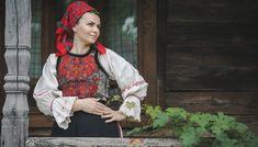 Portul popular din zona Bistrița – Etnotique Folk Costume, Costumes, Popular, Floral, Style, Fashion, Swag, Moda, Dress Up Clothes