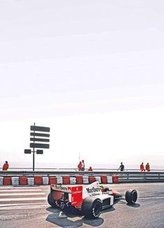 — Legend — Ayrton Senna  — Mclaren Honda —–