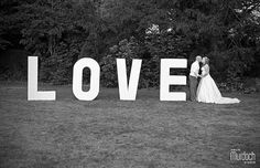 Giant love letters at a wedding | Photography by www.colinmurdochstudio.com