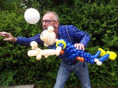 Robin van Persie gemaakt van ballonnen