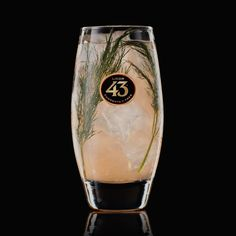 The Dill-icious 43 is an unusual, yet irresistible, sparkling cocktail combining the tangy citrus flavours of grapefruit and lemon with aromatic herbs. Cocktails For Parties, Cocktail Desserts, Summer Cocktails, Cocktail Drinks, Cocktail Recipes, Basil Cocktail, Fruity Drinks, Smoothie Drinks, Smoothies