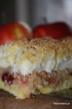 Przepyszny jabłecznik z budyniem i kruszonką - przepis