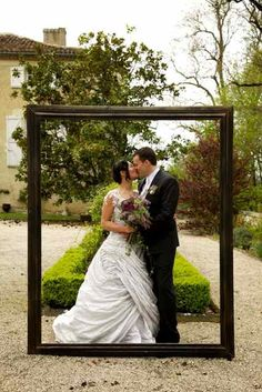 Our lifesize picture frame place in the courtyard make for some great, and original wedding images.  Image © Matthew Weinreb