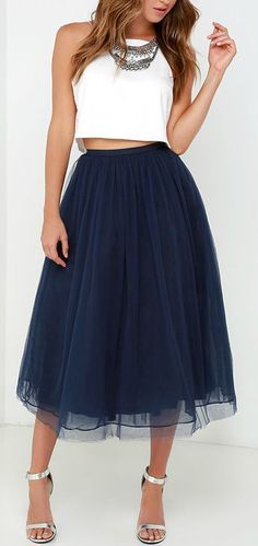 You'll feel like royalty with the Give it a Twirl Navy Blue Tulle Midi Skirt! Several layers of navy blue tulle and organza form a voluminous midi skirt. Skirt Outfits, Dress Skirt, Dress Up, Cute Outfits, Navy Skirt Outfit, Dress Casual, Skater Skirt, Fashion Mode, Look Fashion