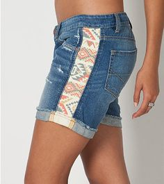 Best 11 Costura 2019 Costura The post Costura 2019 appeared first on Denim Diy. Jeans Refashion, Denim Ideas, Denim Crafts, Altering Clothes, Clothing Hacks, Lace Clothing, Old Jeans, Denim Fashion, Punk Fashion