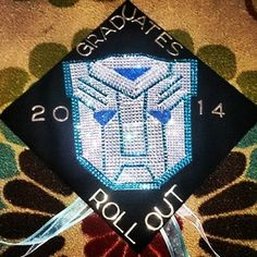 It would be really cheesy to say this student transformed from a student to a graduate, huh? | 31 Graduation Caps That Absolutely Nailed It
