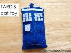 DIY TARDIS Cat Toy   allonsykimberly.com