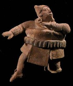 Terracota Maya de la Isla de Jaina, representando un jugador de pelota con todo su equipo protector. Cultura Maya, período Clásico tardío. Campeche, México.