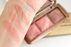 Beauty and the Chic: Hourglass Ambient Lighting Blush Palette