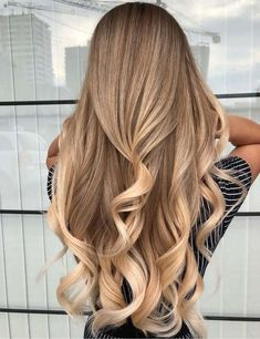 Attractive blends of Sandy Blonde Hair in 2019 # Ombre Hair Color For Brunettes Attractive Blends Blonde hair sandy year Brown Ombre Hair, Brown Blonde Hair, Ombre Hair Color, Light Brown Hair, Long Blonde Curls, Curled Blonde Hair, Blonde Braids, Dark Blonde, Blonde Ombre