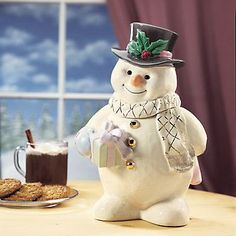 Snowman Cookie Jar by Lenox. I have this same snowman as a figurine. Lenox Christmas, Christmas Cookie Jars, Christmas Snowman, Vintage Christmas, Teapot Cookies, Frosty The Snowmen, Vintage Cookies, Cute Cookies, Cookies Et Biscuits