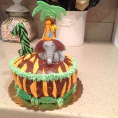 Luca's smash cake Cake Smash, Birthday Cake, Homemade, Desserts, Food, Tailgate Desserts, Deserts, Cake Smash Cakes, Home Made