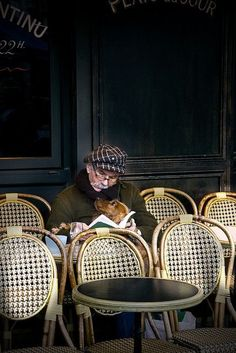 at the Paris café seats a man and his best friend! Awww so tender and sweet. Paris 3, I Love Paris, Arte Dark Souls, Parisian Cafe, Steve Mccurry, Illustration, Mans Best Friend, Airedale Terrier, Street Photography