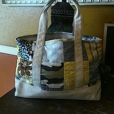 """J Crew Tote Yes ladies those are adorable tiny little sea horses. Cloth and canvas tote 2 internal pockets. Like new. 16""""?11""""?5"""". Strap drop 7"""" J. Crew Bags Totes"""