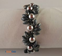 Magatama Bracelet Beading Tutorials and by TheBeadClubLounge
