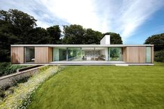 Contemporary retirement bungalow in Dorset - Grand Designs Magazine Contemporary Architecture, Architecture Design, Contemporary Design, Casas Containers, Single Story Homes, Bungalows, Grand Designs, Glass House, Modern House Design