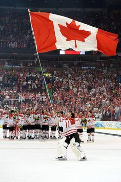 Team Canada - Love it! Women's Hockey, Hockey Players, Hockey Rules, Hockey Girls, 2010 Winter Olympics, Summer Olympics, Canada Hockey, Pittsburgh Penguins Hockey, National Hockey League