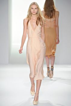 Calvin Klein Collection Spring 2012 Ready-to-Wear Collection Slideshow on Style.com