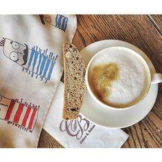 İstanbul Atatürk Airport - Cakes Cafe, #coffeeoftheday w/ Rumisu crew